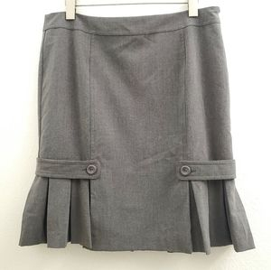 NWT AGB Gray Pleated Bottom Trumpet Skirt SK17